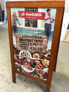 La cubanita bord signing PD-Reklame